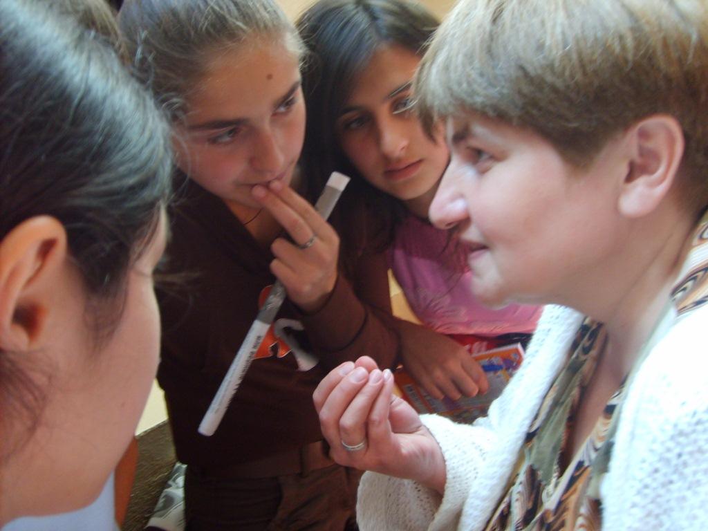Смотреть учитель занимаются любовь с ученицей на русском 20 фотография